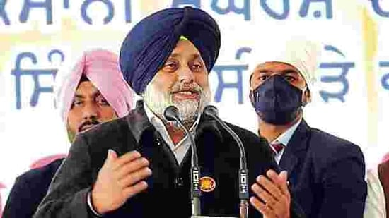 Shiromani Akali Dal president Sukhbir Singh Badal alleged that the Centre had struck at the DSGMC because it was at the forefront in providing aid to the farm movement.(HT_PRINT)
