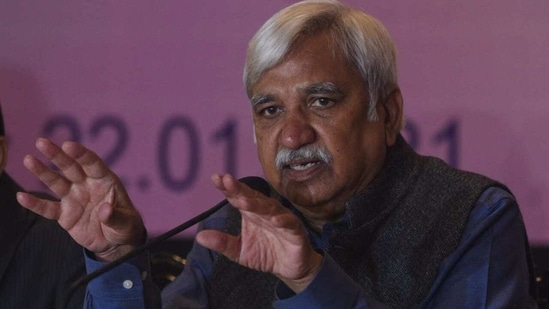 Chief Election Commissioner Sunil Arora interacts with the media at the Oberoi Grand in Kolkata on Friday. (Samir Jana/HT PHOTO).