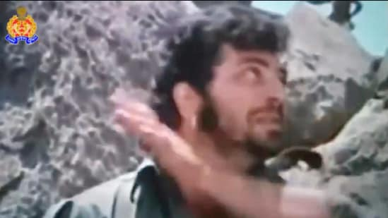 The image shows Gabbar, as played by Amjad Khan, exaggeratedly spitting.(Twitter/@Uppolice)
