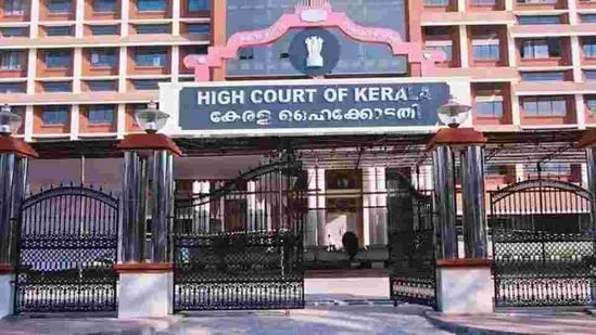 Kerala HC has also asked for a regular update on the probe into the case.(HT Photo)