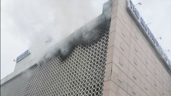 A fire broke out in the Institution of Engineers building located at Bahadur Shah Zafar Marg near ITO in central Delhi on Friday morning. (Source: Delhi Fire Services)