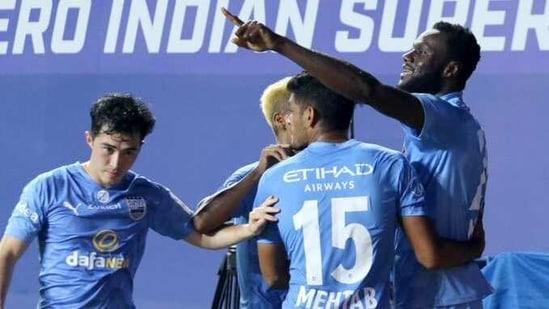 Mumbai City FC players celebrate(ISL)