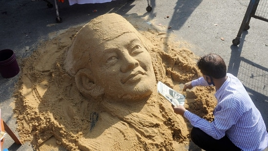 Sand artist Swapan Das creates a sand art of Netaji Subhash Chandra Bose to mark 125th birth anniversary of Netaji Subhash Chandra Bose, in Kolkata.(ANI)