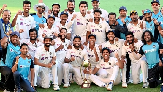 Indian players pose with the winning trophy.(PTI)