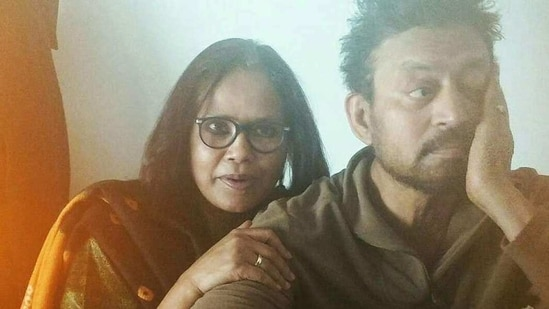 Sutapa Sikdar and Irrfan Khan in a throwback picture she shared.(Facebook)