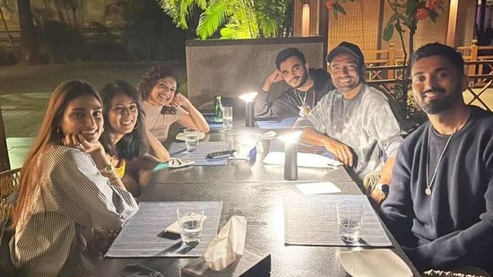Athiya Shetty at a dinner party with KL Rahul and their friends.