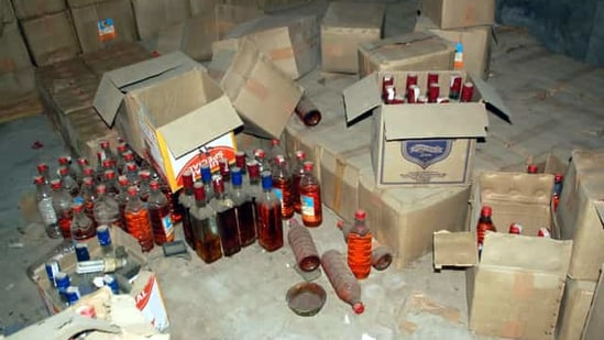 Police party was attacked when it was conducting a raid to seize illicit liquor(Sanjeev Kumar/HT Photo/Representative)