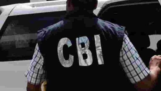 With the transfer of the case to the CBI, the Left Front government has ensured that two women-- Nair and Swapna Suresh, the principal suspect in a gold smuggling racket unearthed in July -- will be among the central characters in the campaign for the assembly elections due in April-May.(HT PHOTO.)