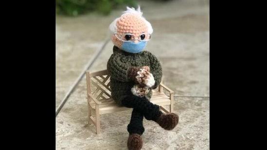 The image shows the crochet Bernie Sanders doll. (Instagram/@Tobeytimecrochet)