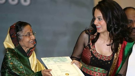 Kangana Ranaut receiving the National Film Award from then President Pratibha Patil.