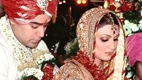 Riddhima Kapoor Sahni married Bharat Sahni in 2006.