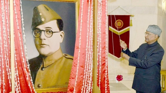 President, Ram Nath Kovind unveiling a portrait of Netaji Subhas Chandra Bose, at Rashtrapati Bhavan, in New Delhi.(ANI)