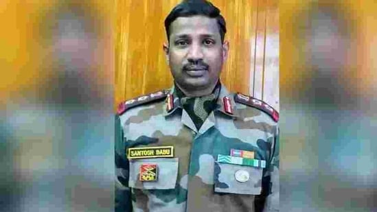 The chief minister said the state government was announcing the ex gratia in honour of the bravery shown by Col Santosh Babu while fighting the Chinese troops.(HT PHOTO.)
