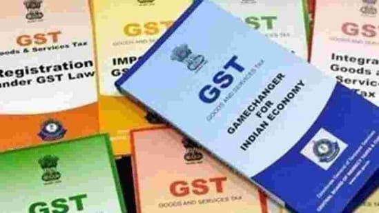 The Centre had set up a special borrowing window in October 2020 to meet the estimated shortfall of <span class='webrupee'>₹</span>1.10 lakh crore in revenue arising on account of the implementation of the GST.(PTI)