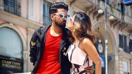 Hina Khan has been dating Rocky Jaiswal for several years now.