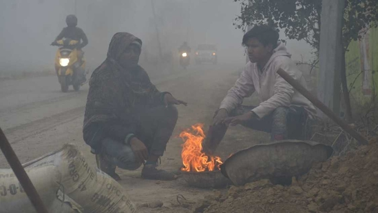 Sikar and Bhilwara in Rajasthan recorded minimum temperatures of 0.5 degrees Celsius and 1.6 degrees Celsius, respectively.(HT Photo/ Sakib Ali )