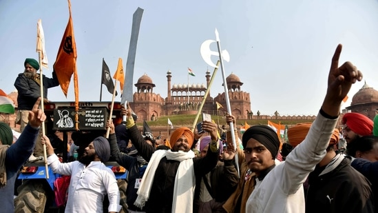 Farmers' tractor rally reaches Red Fort to protest against farm laws on 72nd Republic Day, in New Delhi on Tuesday. (ANI Photo)