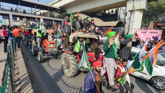At least 19 people have been taken to two Delhi hospitals following violence during the tractor rally on Tuesday in the national capital(PTI Photo)
