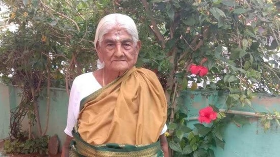 Papammal runs her own organic farm where she has been cultivating a variety of millets, pulses, vegetables and corn for over nine decades.(HT photo)