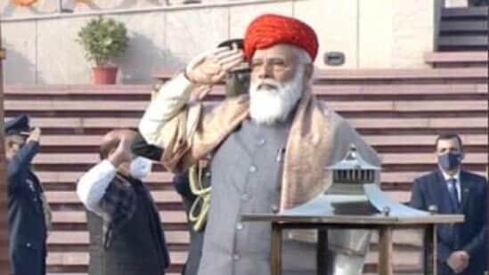 PM Modi's Republic Day turban this year is from Jamnagar. (Photo: Doordarshan)