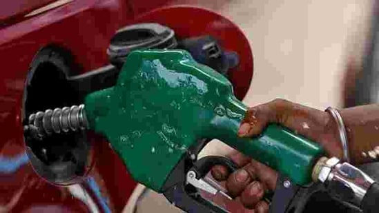 The previous all-time high price of petrol was <span class='webrupee'>₹</span>84 a litre on October 4, 2018.(REUTERS)