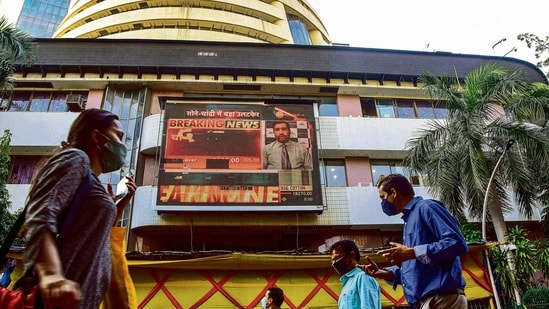 The benchmark S&P BSE Sensex gained 0.6% to 49,177.99 by 0353 GMT.(Mint file photo)