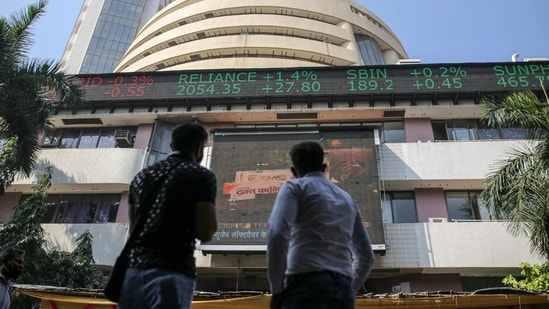 The BSE Sensex fell 937.66 points, or 1.94%, to 47,409.93. The National Stock Exchange's broader Nifty index shed 1.91% to 13,967.50.(Bloomberg )
