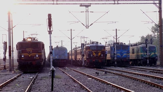 The train services had to be suspended after the incident on the section and some mail trains were diverted. (HT image)