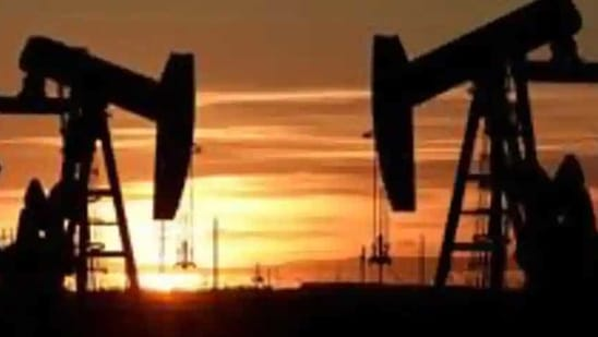 Oil has jumped almost 50% since the end of October but the rally has faltered recently on concerns about the near-term demand outlook due to Covid-19. China is facing a resurgent outbreak, there are fears about virus variants, while the UK became the first nation in Europe with 100,000 deaths. (Representative Image)(Reuters/ File photo)