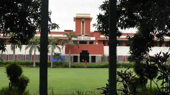 The Old Students Association (OSA) of Hindu College in New Delhi has disbursed grants worth over <span class='webrupee'>₹</span>13 lakh to students of their alma mater who are facing financial difficulties due to the COVID-19 pandemic.(HT file)