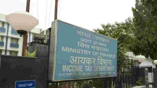 """""""CBDT issues refunds of over Rs. 1,81,336 crore to more than 1.74 crore taxpayers between 1st April, 2020 to 25th January, 2021,"""" the department tweeted. (Representative Image)(Mint Photo)"""