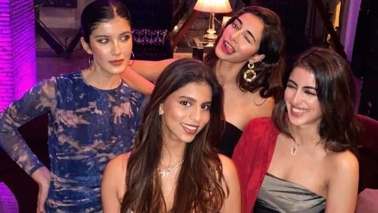 Navya Naveli Nanda with Suhana Khan, Ananya Panday and Shanaya Kapoor.