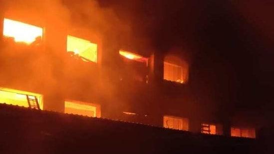 Fire at a godown in Maharashtra's Bhiwandi(ANI Photo)