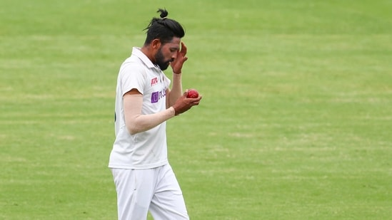 India's Mohammed Siraj prepares to bowl during play on day four of the fourth cricket test between India and Australia at the Gabba.(AP)
