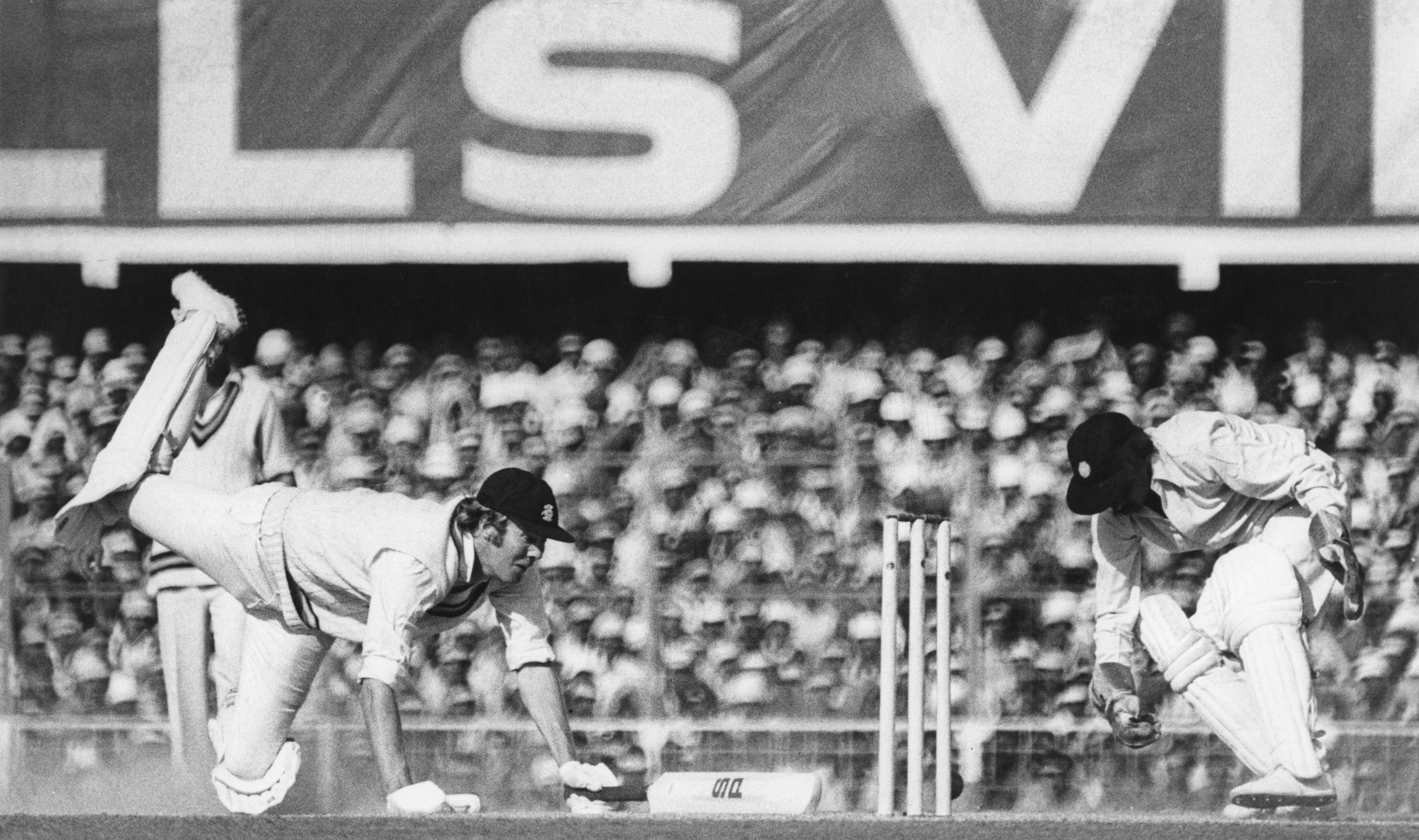 Tony Greign in action against India in the Delhi Test of 1976(Getty Images)