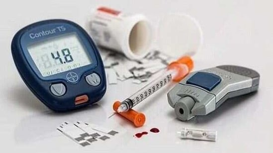 An international research team - led by scientists at the University of Birmingham - have discovered that immature b-cells (PDX1LOW/MAFALOW) are able to overcome their relative deficiencies by partnering with 'stronger' counterparts to drive insulin release.(ANI)