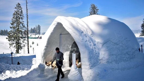 The ice huts were traditionally used only by the people of Canada's Central Arctic and Greenland's Thule area.(Reuters file photo)