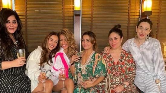 Kareena Kapoor, Karisma, Malaika Arora, and the Bollywood Wives turn up for Amrita Aroras birthday party. See pics - Hindustan Times