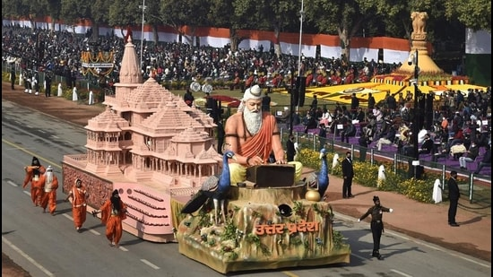 UP's award winning tableau at this year's Republic Day parade, at Rajpath, in New Delhi on January 26. (Ajay Aggarwal /HT photo)