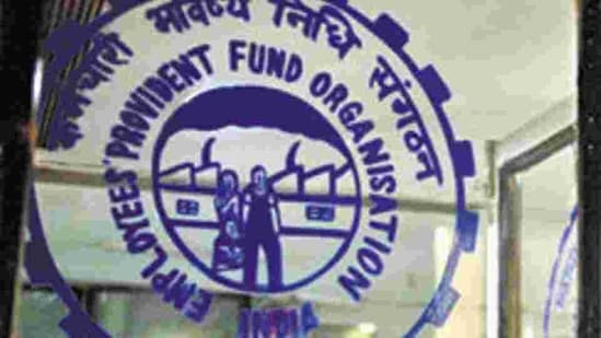 The budget has capped the tax exemption on interest earned on EPF, VPF and exempted PF trusts where annual employee contribution is above <span class='webrupee'>₹</span>2.5 lakh.(Mint Archives)