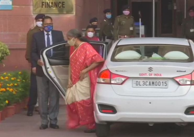 Ahead of Budget presentation at Parliament at 11am, finance minister Nirmala Sitharaman arrives at finance ministry office. (Photo: ANI)