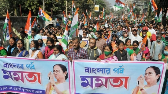 With CM Banerjee trying to consolidate anti-Bharatiya Janata Party votes, top parties from the Hindi heartland have geared up to enter the race.(PTI)