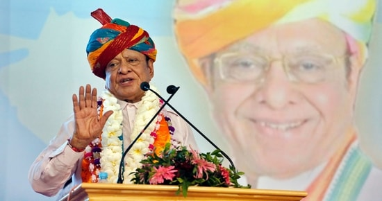 Vaghela had quit the Congress before the 2017 Gujarat Assembly polls. Two years later, he had joined the Sharad Pawar-led NCP. However, in June last year, he had resigned from the NCP due to some differences and floated the PSDP.(Siddharaj Solanki/HT Archive)