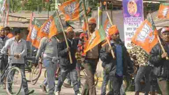The BJP has decided to take out rath yatras across the state in February and March to drum up support for the upcoming assembly polls.(Samir Jana/HT file photo)