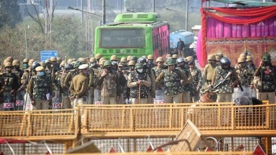 Security deployment at Delhi's border areas during farmers' three-hour 'chakka jam' on Saturday. (HT/Sanchit Khanna)