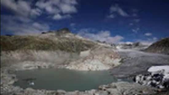 Studies have revealed that rapidly melting glaciers have led to the formation of numerous lakes in the basins of perennial Himalayan rivers, including Sutlej, Chenab , Beas and Ravi and their tributaries, over the last five years and that the number of lakes has been increasing at an alarming rate (Reuters File Photo)