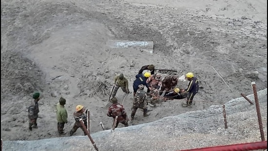 Officials carry out search and rescue operation at Tapovan Tunnel, after a glacier broke off in Joshimath in Uttarakhand's Chamoli district causing a massive flood in the Dhauli Ganga river on Sunday. (File photo)