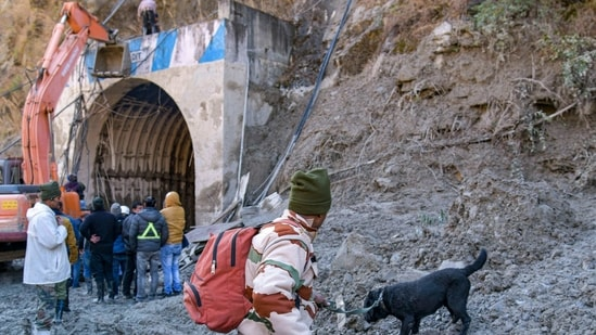 ITBP personnel carry out rescue works near the Tapovan hydel project a day after a glacier broke off in Joshimath causing massive flood in Dhauli Ganga River in Chamoli district of Uttarakhand,(PTI)