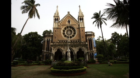 The University of Mumbai (MU) has released a circular with various guidelines for affiliated colleges to follow once colleges reopen from February 15. (HT FILE)