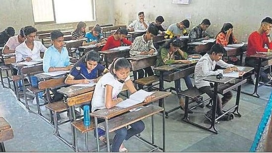 The Brihanmumbai Association of Heads of Secondary Schools has urged the government to allow schools and junior colleges to reopen. PIC FOR REPRESENTATITION